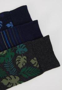 Pier One - 3 PACK - Ponožky - black/green - 2