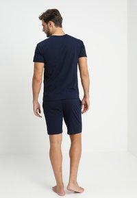 Pier One - 2 Pack - Pyjamahousut/-shortsit - grey/dark blue - 2