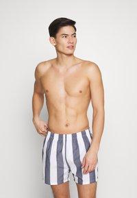 Pier One - Pantaloni del pigiama - white/dark blue - 0