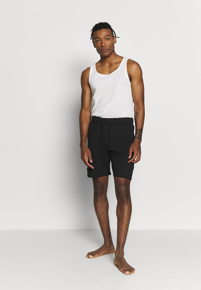 Pier One - 2 PACK - Pyjama bottoms - khaki/black