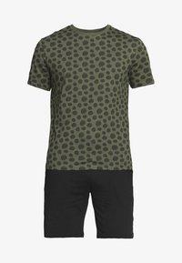 Pier One - SET - Pyjama set - khaki/black - 4
