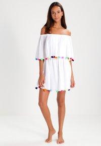 Pitusa - POM POM FESTIVAL DRESS - Strandaccessoire - white - 1