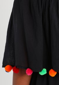 Pitusa - POM POM FESTIVAL DRESS - Strandaccessoire - black - 3