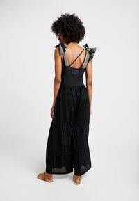 Pitusa - BAILADORA - Beach accessory - black - 2