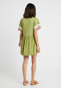 Pitusa - LITTLE LAMA DRESS - Beach accessory - olive - 2