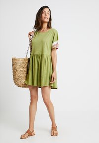 Pitusa - LITTLE LAMA DRESS - Beach accessory - olive - 1
