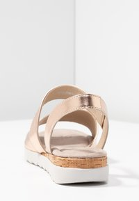 Pier One Wide Fit - Wedge sandals - rose gold - 5