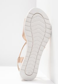 Pier One Wide Fit - Wedge sandals - rose gold