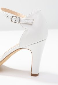 Pier One Wide Fit - Zapatos de novia - white - 2