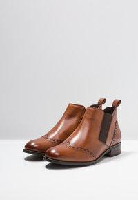 Pier One Wide Fit - WIDE FIT - Ankle boots - cognac - 4