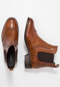 Pier One Wide Fit - Ankle boots - cognac - 3