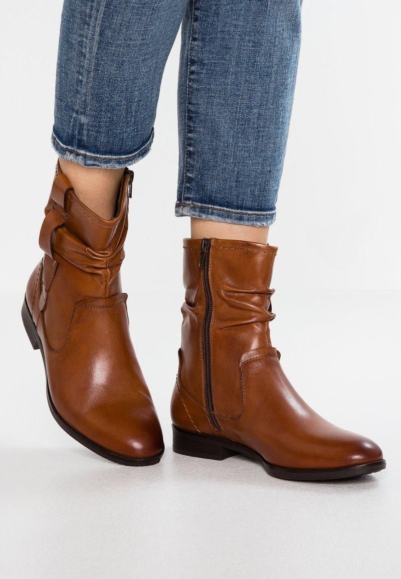 Pier One Wide Fit - Classic ankle boots - cognac