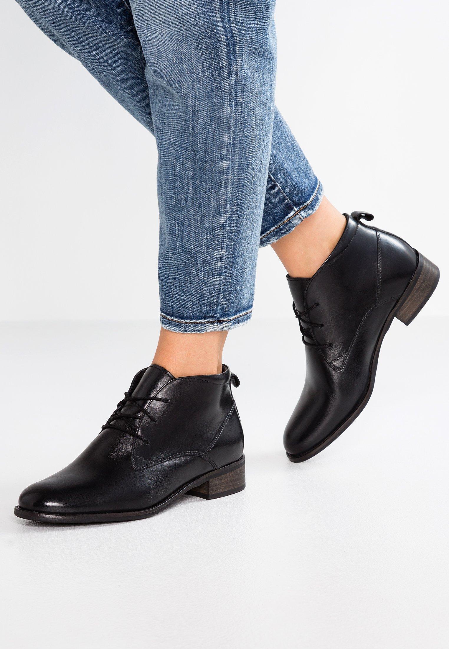 Korte laarzen black