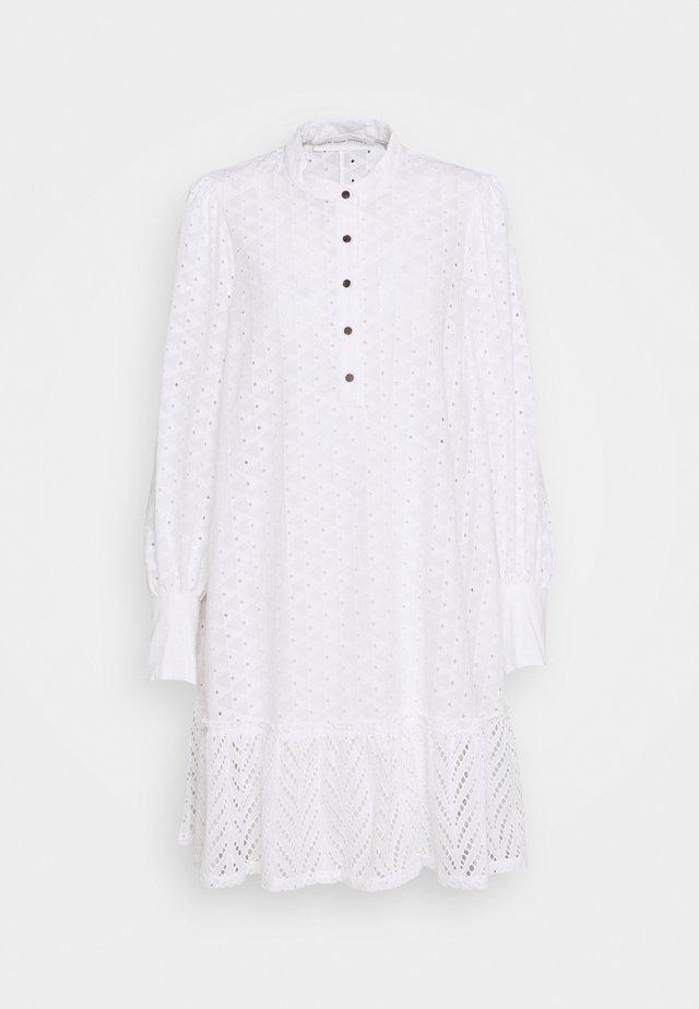 BRITANIA OVERSIZE DRESS - Sukienka letnia - white