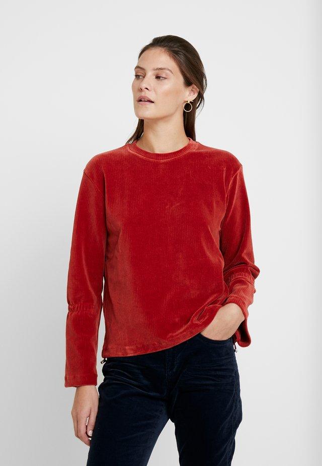 SUKI - Sweatshirt - rust red