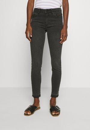 CROPPED KNIGHTBRIDGE - Jeans Skinny Fit - black
