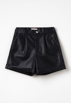 CLOSER - Shorts - black