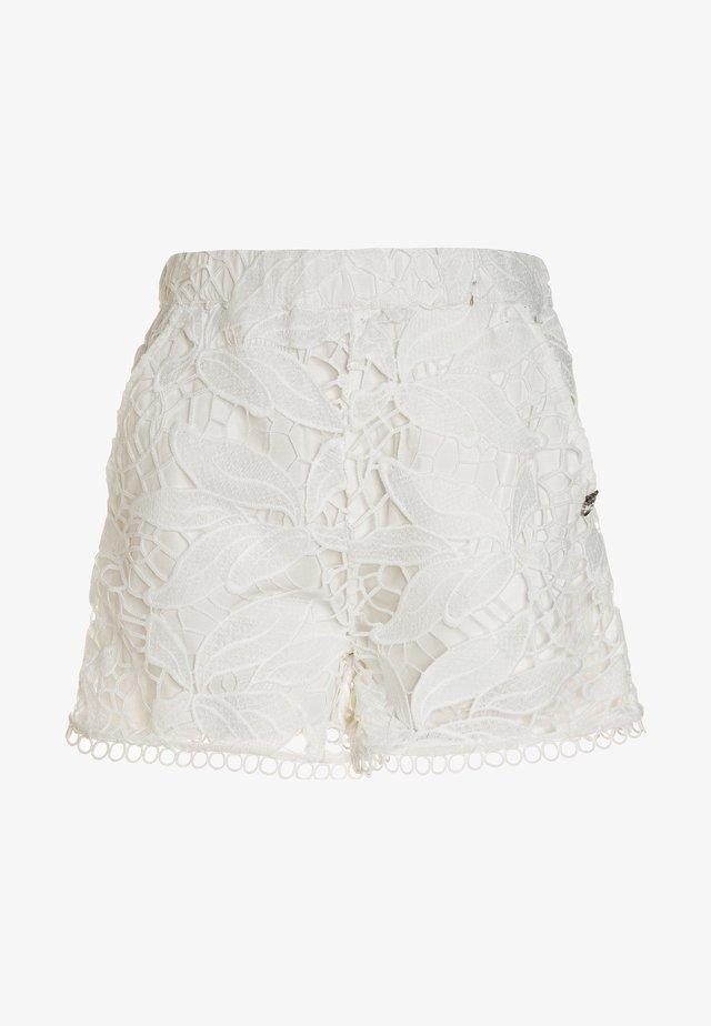 SEGRE RICAMO MACROFIORE - Shorts - bianco/biancaneve