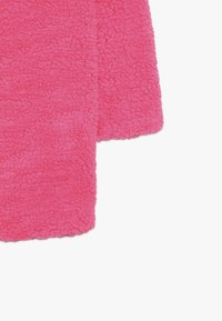 Pinko Up - AEROGRAFISTA CAPPOTTO ORSETTO - Zimní kabát - pink - 3
