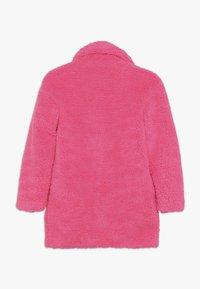 Pinko Up - AEROGRAFISTA CAPPOTTO ORSETTO - Zimní kabát - pink - 1