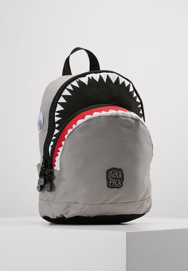 SHARK  - Tagesrucksack - light grey