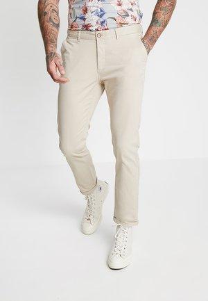 Pantalones chinos - sabia