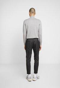 Piazza Italia - PANTALONE - Trousers - grigio - 2
