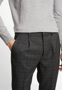 Piazza Italia - PANTALONE - Trousers - grigio - 3