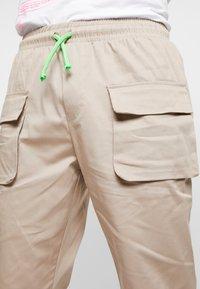 Piazza Italia - Shorts - beige - 4