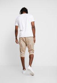 Piazza Italia - Shorts - beige - 2