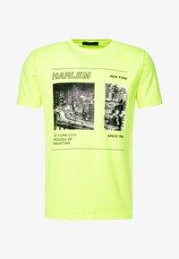 Piazza Italia - Print T-shirt - yellow - 3