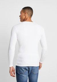 Piazza Italia - Langærmede T-shirts - bianco - 2