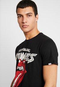 Piazza Italia - T-shirts med print - nero - 4
