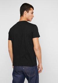 Piazza Italia - T-shirts med print - nero - 2