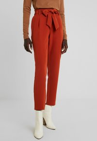 PIECES Tall - PCHIPA PANTS - Trousers - picante - 0