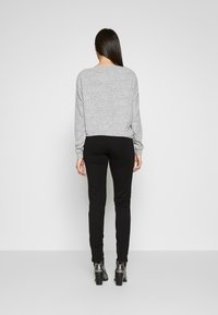 PIECES Tall - PCKLARA SLIM PANT - Broek - black - 2