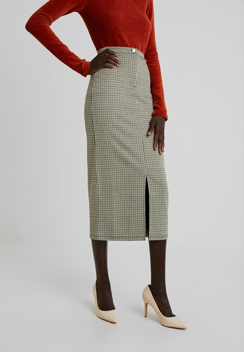 PIECES Tall - PCHUBERTA PENCIL SKIRT - Gonna a tubino - toasted coconut/brown