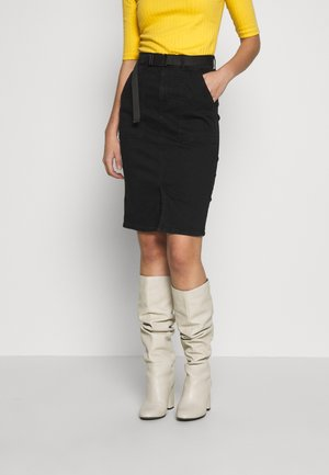 PCNALA PENCIL BUCKLE SKIRT - Pennkjol - black denim