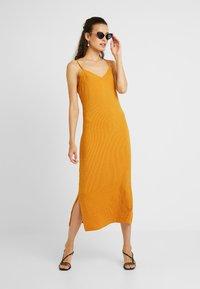 PIECES Tall - PCFREJA SLIP DRESS - Maxikjole - cadmium yellow - 1