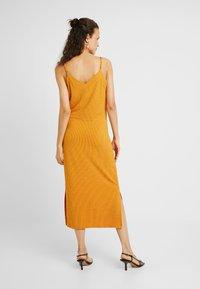 PIECES Tall - PCFREJA SLIP DRESS - Maxikjole - cadmium yellow - 2