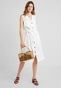 PIECES Tall - PCWHY TIE BELT MIDI DRESS - Vestido camisero - bright white - 1