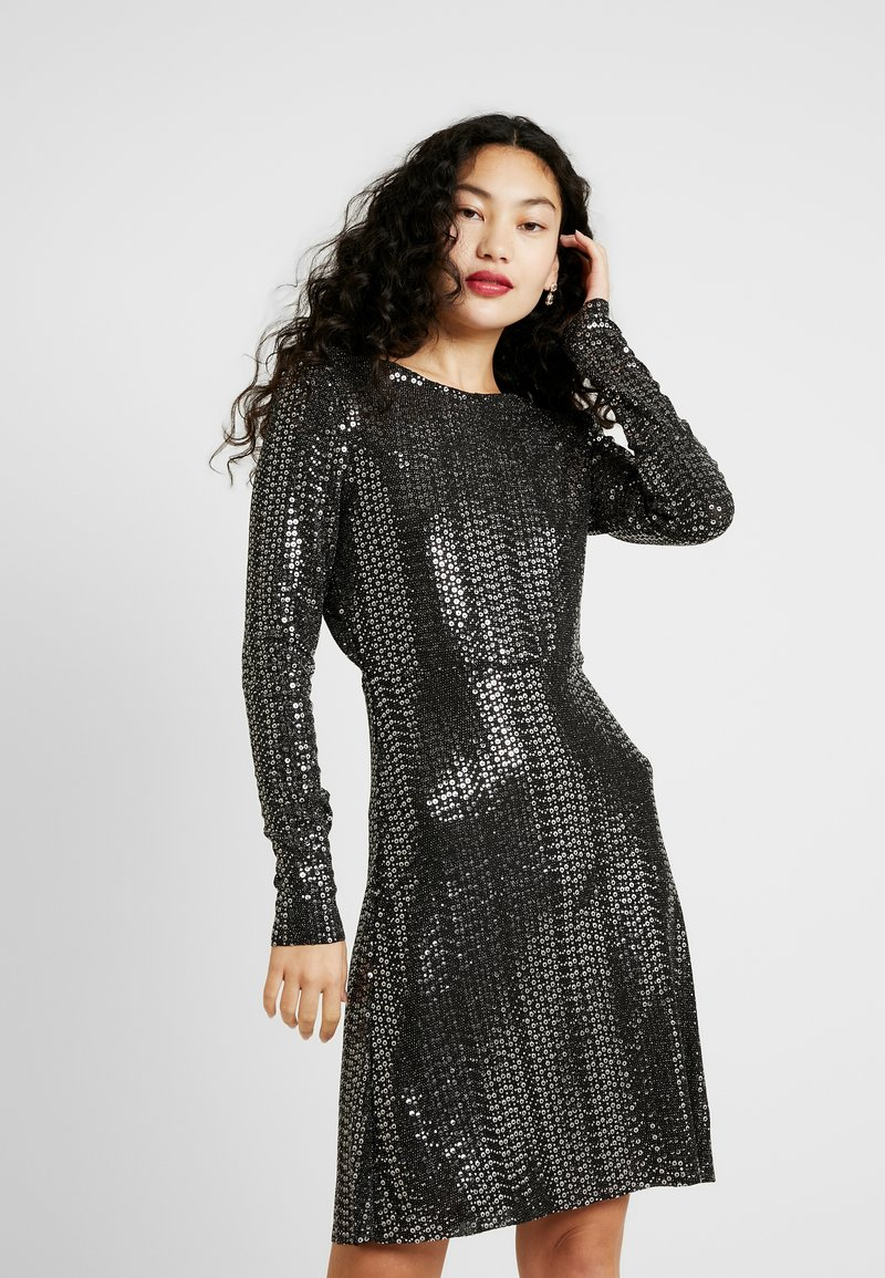 PIECES Tall - Kjole - black/silver