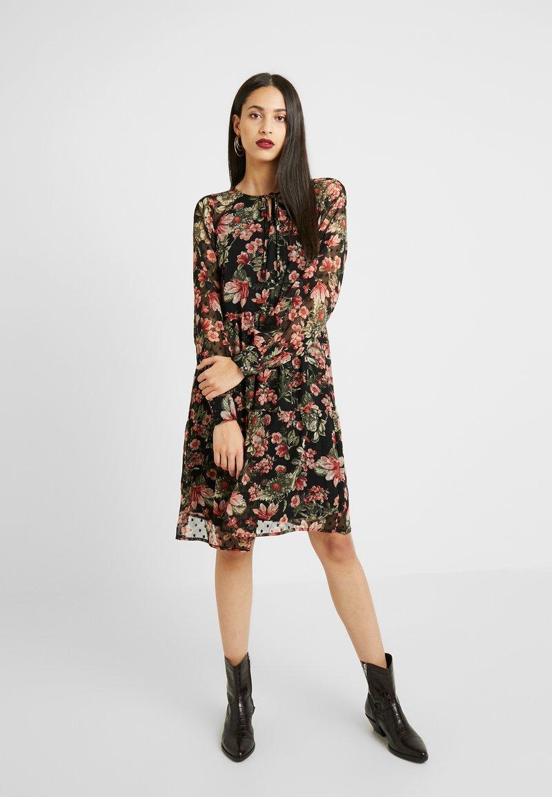 PIECES Tall - Korte jurk - black