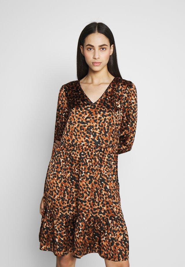 PCLILLA DRESS - Korte jurk - black