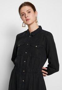 PIECES Tall - PCNOLA DRESS - Skjortekjole - black - 3