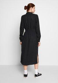 PIECES Tall - PCNOLA DRESS - Skjortekjole - black - 2