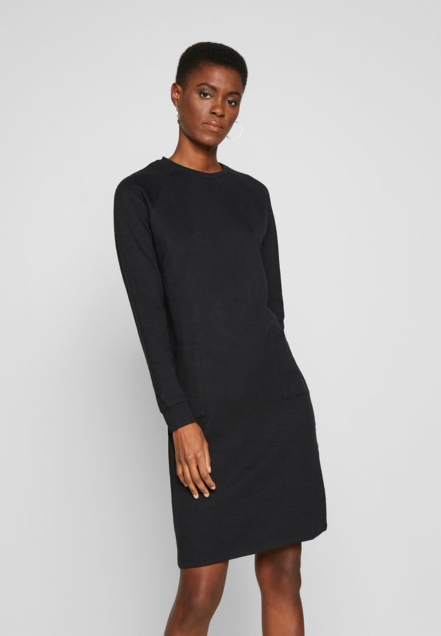 PCNOMINA DRESS - Trikoomekko - black