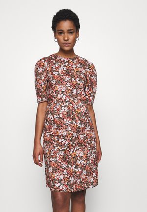 PCIRIS DRESS TALL - Kjole - black/picante flower