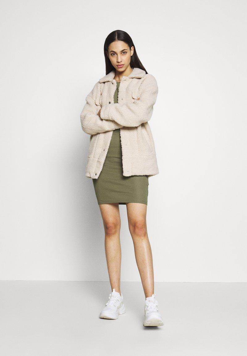 PIECES Tall - PCKAZZA TEE DRESS  2 PACK TALL - Jersey dress - light grey melange