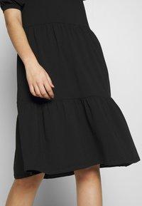 PIECES Tall - TERESE DRESS TALL - Strikket kjole - black - 4